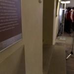 Všechny panely a popisky exponátů jsou převedeny do Braillova písma