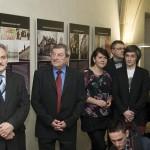 Starosta Litoměřic Ladislav Chlupáč a Tomáš Hlaváček ze Společnosti pro obnovu památek Úštěcka poslouchají úvodní slovo