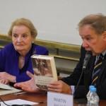 Madeleine Albrightová navštívila FF UK při příležitosti vydání své knihy Pražská zima