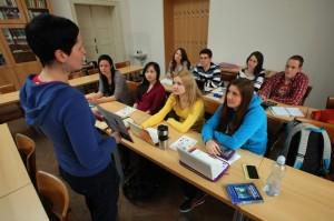 Ilustrační fotografie: studenti; zdroj: archiv FF UK/Ondřej Besperát