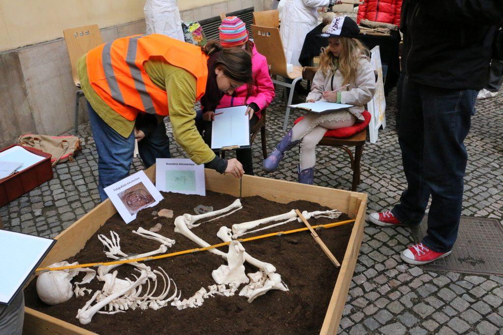 Mezinárodní den archeologie (4)