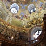 Prunksaal - barokní studovna z počátku 18. století.