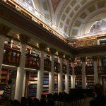 Národní knihovna Finska sídlí v historické budově od architekta Carla Ludwiga Engela