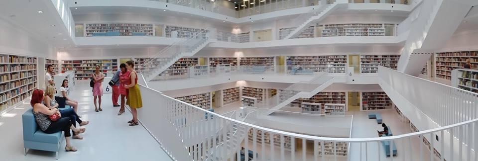 Jako byste se ocitli v jiném světě… (Stadtbibliothek Stuttgart)